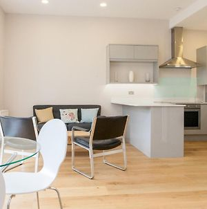Pass The Keys Newly Refurbished Flat With Decked Sun Terrace In Lewisham photos Exterior