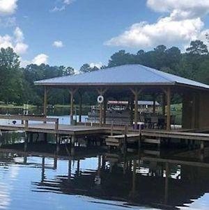 Lake Sinclair! Gorgeous Views Right On The Water photos Exterior