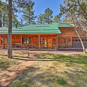 Expansive Family Cabin With 2 Decks And Game Room photos Exterior