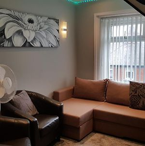 Impeccable 2-Bed Apartment In Blackpool photos Exterior
