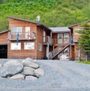 Beach Front Fishing Lodge With 10 Rooms! photos Exterior