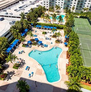 One Bedroom Apartment In Sunny Isles Beach Walking Distance To Beach photos Exterior