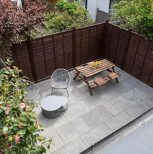Pass The Keys Quirky 3Bedroom House With Private Garden In South West London photos Exterior