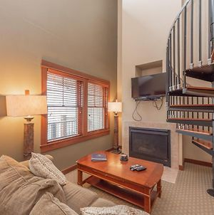 A315 - Studio And Loft Suite With Lake View, Free Wifi, Fireplace! photos Exterior