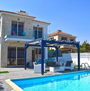 Villa With 3 Bedrooms In Mazotos With Wonderful Sea View Private Pool Enclosed Garden 3 Km From The Beach photos Exterior