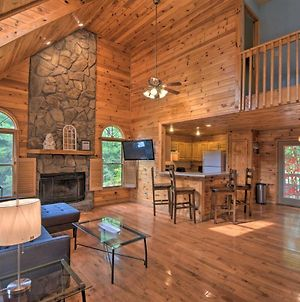 Spacious And Private Ellijay Cabin With Fire Pit! photos Exterior