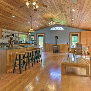 Tucked-Away Cabin With Furnished Deck And Grill! photos Exterior