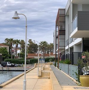 Mariners Cove: Luxury Waterfront Apartment photos Exterior