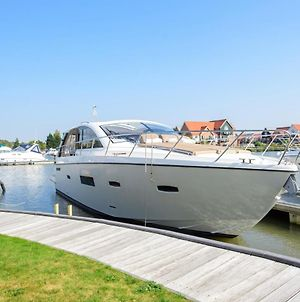 Luxury Yacht Staycation photos Exterior