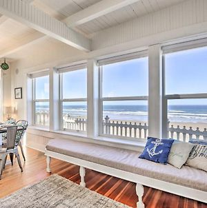 Beachfront Newport Cottage With Private Hot Tub photos Exterior