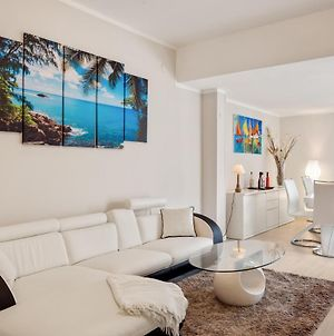 Luni Mare Bright Terrace Flat With Parking photos Exterior