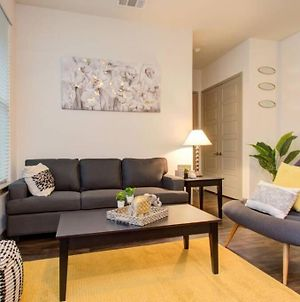 Luxury Condo In The Heart Of Downtown! photos Exterior