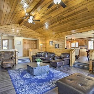 Lakefront Family Cottage Deck, Dock And More! photos Exterior