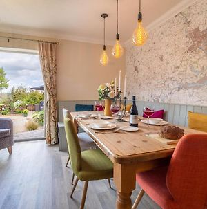 Immaculate Renovation With Great Pubs, Views And Walks - Box Valley Cottage photos Exterior