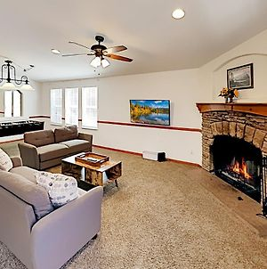 New Listing! Newly Furnished Home - Hot Tub & Deck Home photos Exterior