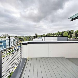Chic Townhome, 2 Miles To Pike Place Market! photos Exterior