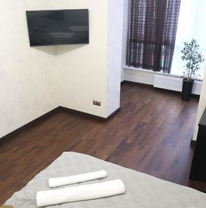One Bedroom Apartment Is Located Near Airport, Victoria Gardens Shopping Mall, Kulparkivska Street Apartment photos Exterior