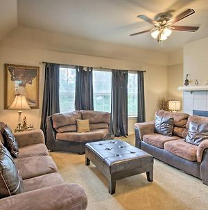 Cozy House With Yard And Fireplace - 3 Mi To Uh! photos Exterior
