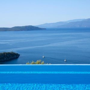 Villa Talia-A 4 Bedroom Villa With Majestic View And Infinity Pool photos Exterior