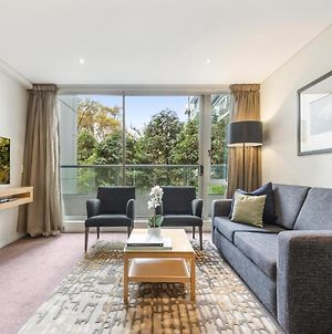 Quay West Apartment In Southbank With Pool And Gym photos Exterior
