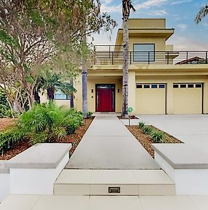 Walk To Beach! Ocean-View Dream With Rooftop Deck Home photos Exterior