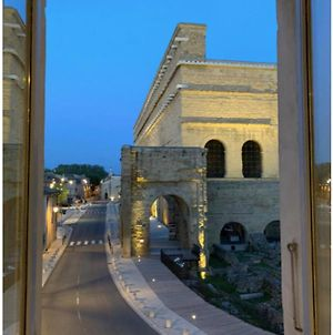 Flat With View On The Ancient Theatre Of Orange photos Exterior