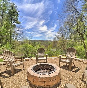 Woodsy Getaway With Hot Tub, Deck And Mtn Views! photos Exterior