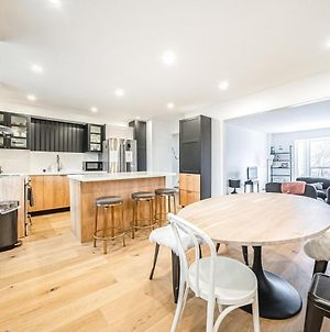 Alluring Townhome Near Toronto Ideal 4 Long Stays! photos Exterior