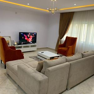 3 Bedroom Fully Furnished Apartment photos Exterior