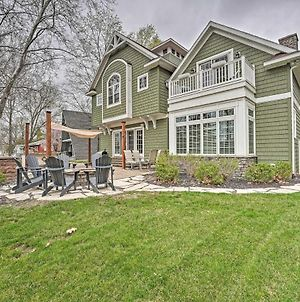 Large Lake Wawasee Home With Waterfront Oasis photos Exterior