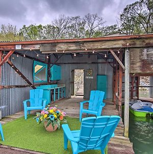 Waters Edge Retreat With Dock, Deck And Kayaks! photos Exterior