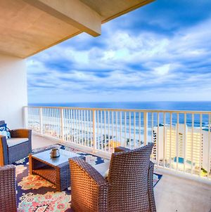 Large 3 Bd Penthouse 2012 In Laketown, Great Views And Amenities! photos Exterior