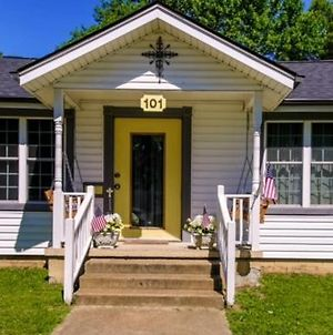 Historic Town Square Bungalow In Heart Of Brighton photos Exterior
