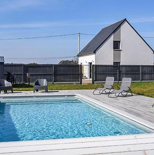 Stunning Home In Paimpol With Wifi, Heated Swimming Pool And 4 Bedrooms photos Exterior
