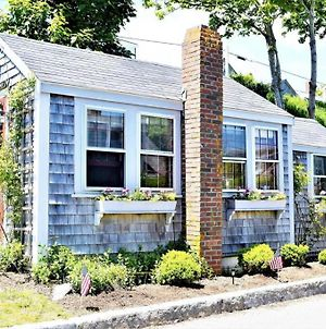 Private Beach Cottage For Two In Sconset! photos Exterior