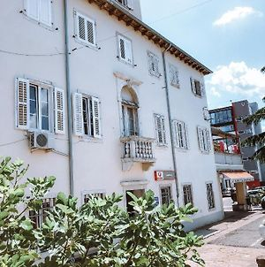 Old Town Apartment With Free Parking photos Exterior