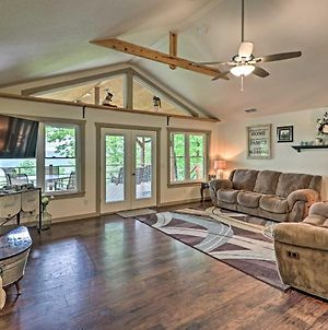 Elegant Mountain View Cabin With Large Deck! photos Exterior