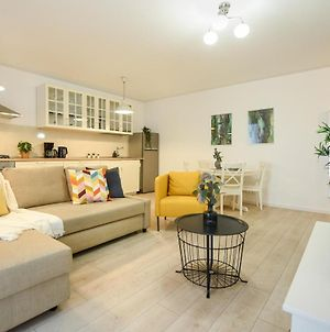 The Comfy Spot. 1 Bedroom With Parking Included photos Exterior