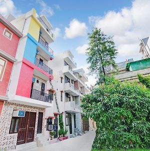 Cozy Stay Near Pvr 3C'S At Discounted Price photos Exterior