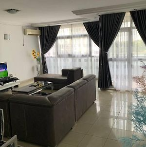 Fully Furnished 3Bdrm Apartment At The Heart Of VI photos Exterior