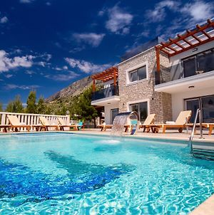 Villa Mirna With Heated Pool & Whirlpool, Traditional Wine Bar, 150M From Sea photos Exterior