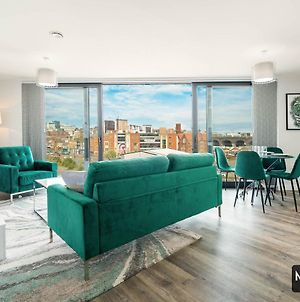 Maevela Apartments - Luxury Top Floor Penthouse - With Parking - 2 Bedroom New Build Apartment ✪ City Centre, Digbeth ✓ With Huge Patio Sliding Doors - City View - Rooftop Terrace - Ps4 & Smart Tv'S photos Exterior