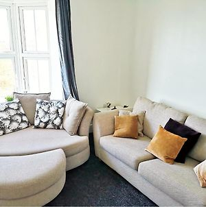Derwent Street Apartment 2 - Self Contained - 2 Bed Self Catering Apartment photos Exterior