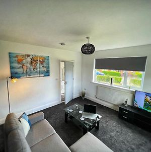 Spacious House, Ideal For Contractors, Leisure Or Corporate Stays photos Exterior