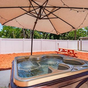 Cozy Jacuzzi Home Heart Of Tampa photos Exterior