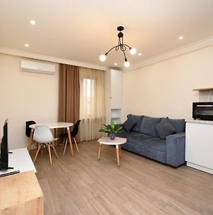 Apartment In The Center Of Yerevan By Full House photos Exterior