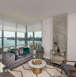 3Br Glass Suite With Gym & Pool By Envitae photos Exterior