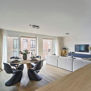 Stunning New And Modern Apartment With Large Terrace And Free Parking photos Exterior