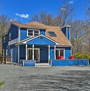 Peaceful Long Pond Home With Private Hot Tub! photos Exterior