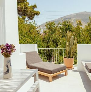 Rooftop House In The Old Town Of Parikia - Paros photos Exterior